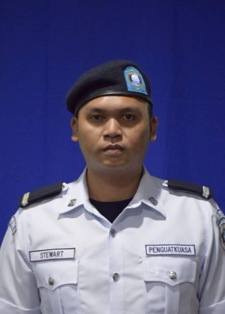 Steward Asun ak Luang