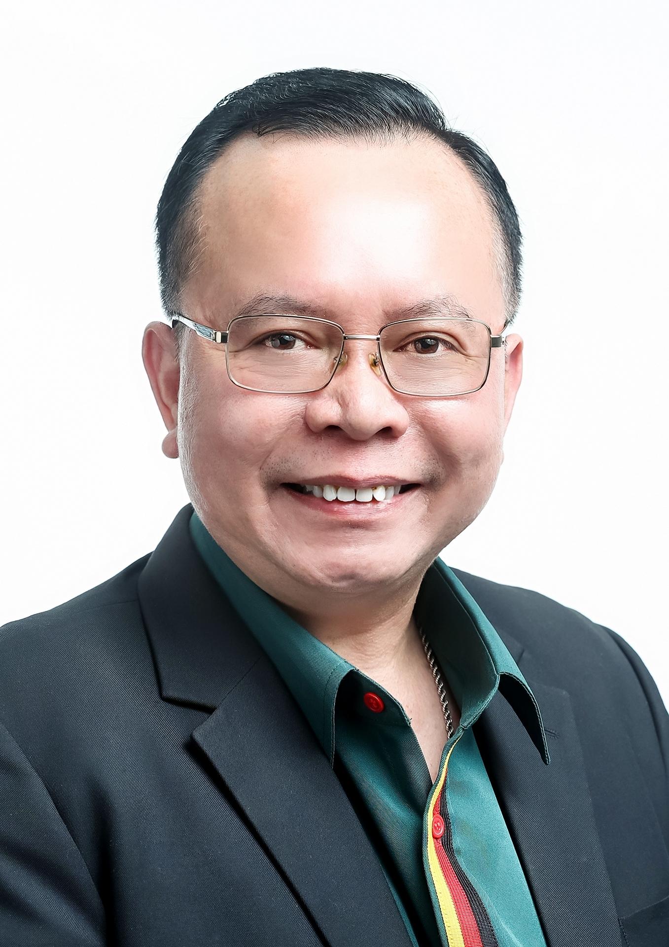 Dr. William Rovina Nating